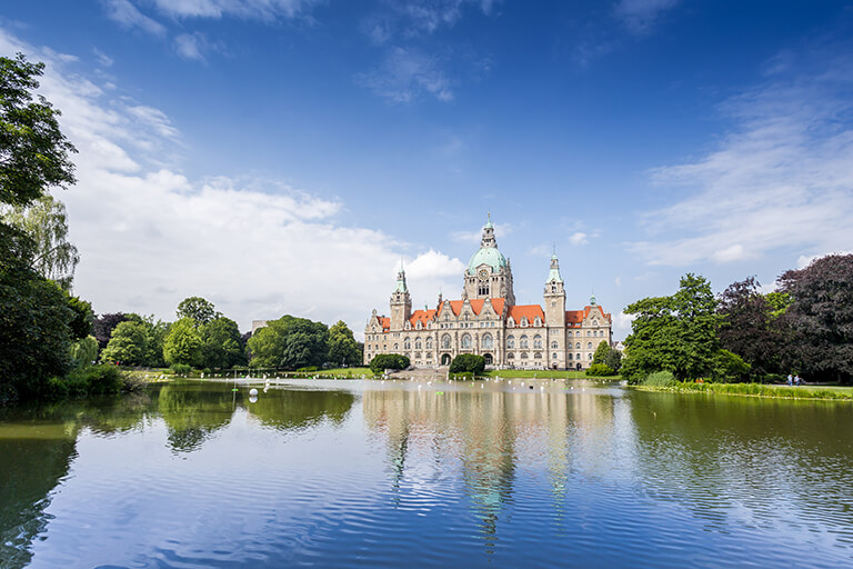 Here you can see a picture of the city of Hanover, where INTERLINE offers exclusive limousine and chauffeur service.